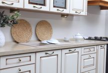 Stylowa kuchnia / Nowoczesna, retro a może po prostu funkcjonalna? Nasze akcesoria meblowe oraz systemy szuflad pozwolą Wam stworzyć kuchnię dopasowaną do Waszych potrzeb i gustu.