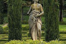 Sochy a zahradní skulptury