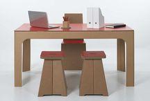 Mesas, cadeiras