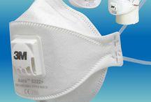 Munskydd & skyddsmasker / Halvmasker och riktiga operationsmunskydd som även skyddar mot smittspridning från stänk av nysningar och hostningar samt skyddar mot att bäraren smittar andra.