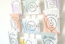 Mijlpaalkaarten / Fotografeer je baby met deze mijlpaalkaartjes! Super leuk om te gebruiken bij alle bijzondere momenten tijdens de ontwikkeling van je kindje in zijn/haar eerste levensjaar. De achterzijde is blanco, ideaal om enkele mooie herinneringen op neer te pennen of om de foto op de achterzijde te kleven. Achteraf is dit een hele leuke herinnering voor je kind!
