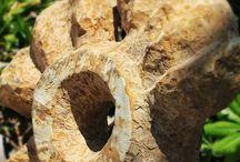 Gianni Fano Scultore / Opere dello scultore Gianni Fano.  Il Maestro da anni esprime le sue capacità di lavorare la (durissima) pietra di fiume presso il Lido Panfilo. Che sia d'estate o durante l'inverno, l'artista attende le vostre domande e il vostro stupore.  Passate a trovarlo.