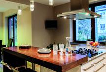Okna drewniane - Lazio 92 / Doskonały produkt dla osób ceniących sobie naturalne piękno, ciepło ale także energooszczędność. Dzięki nowoczesnym rozwiązaniom technicznym zapewni wygodę i doskonałe parametry użytkowe. Spełniają nawet najbardziej restrykcyjne normy energetyczne i jakościowe.