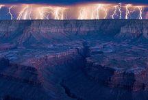 Heavy weather.... / Op de een of andere manier ben ik gefascineerd door de onverwachtse wendingen van de natuur. Dramatische luchten, onweersbuien, zware regenval op een afstand. That kinda stuff