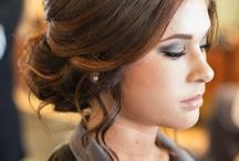 Häähömpöttelyä kampauksista ja meikeistä