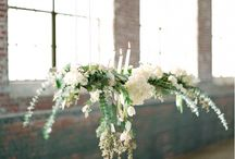 Hanging flowers / Suspended decor ideas for weddings. The most beautiful hanging floral arrangements for wedding receptions