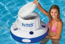 Floating Coolers / www.pooltoys.com