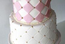 rózsaszín torták