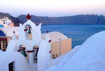 Görögország utazás / Görögország a magyarok kedvelt úticélja, mégis az egy-két már bevált üdülő településen kívül alig ismerjük e változatos földrajzú és kultúrájú mediterrán országot. Görögország a nyugati kultúra bölcsője, mitológiai bájjal és mítoszokkal övezett ország, gazdag  történelmű hely, ahol megismerhetjük az emberi értelem és szépség titkát. Görögország elvarázsolja az ideérkezőt a káprázatos tájaival is. Fedezd fel te is! Last minute görögországi utak: http://www.divehardtours.com/gorogorszag-utazas/