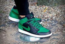Nike Air Jordan 1 Phat Premier – Boston Celtics 'Black / Pine Green' 375173-031
