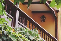 Villa Vicuña Cafayate / A solo 50 metros de la Plaza principal, tiene una ubicación privilegiada en la ciudad de Cafayate . Tenemos 12 habitaciones amplias en una casona elegante de estilo colonial español. La excelente atención personalizada se fusionan para brindar una sensación de calidez y crear un ambiente de paz y serenidad que le permitirá relajarse y desconectarse del ritmo acelerado de la ciudad.