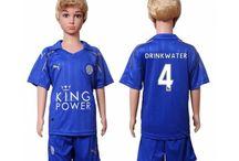 Billige fodboldtrøjer Leicester City til børn / Køb billige Leicester City fodboldtrøjer til børn online med oplag. Vi leverer nye Leicester City billige fodboldsæt børn med lav pris og hurtig levering. Køb nu!
