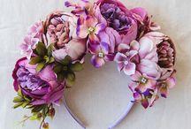 Cappelli e cerchietti con fiori