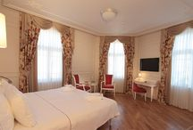 istanbul luxury hotels / A Classic room gives you all the comfort and luxury you need for a stay in central Istanbul in a 25 to 30 sqm area with all the technological back-up that keeps you in touch with the rest of the world.