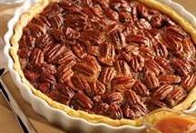 Pie's / by Heather Fontenot
