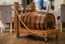 Jack Daniels Tennessee Whisky Single Barrel / Akademia to najlepsza restauracja w Warszawie, która ma w swojej ofercie coś dla miłośników mocniejszych trunków. Słynna beczka Jack Daniel's Tennessee Whiskey Single Barrel już na was czeka! Zapraszamy. https://restauracjaakademia.pl/