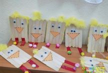 Popsicle stick craft / This page has a lot of free Popsicle stick craft idea for kids,parents and preschool teachers