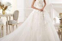 Beautiful Wedding Dresses / by Brianne Huddle