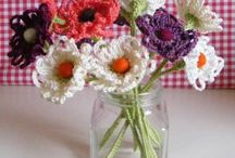 Crocheting: flowers