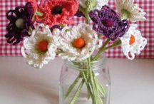 Crocheting: flowers