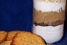 Gifts of food Ideas / by Maura Yetter