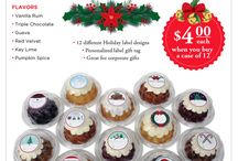 Holiday Mini Bundt Cakes / Need a #holiday gift that shows your appreciation to your customers, employees or associates? #EddaCakes Holiday Mini #BundtCakes are the perfect option. Call any of our stores or visit our website to order: http://eddascakedesigns.com/holiday-mini-bundt-cakes/