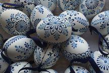 zdobení velikonočních vajec voskem