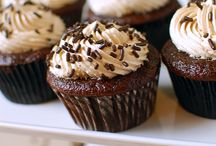 Cupcake Mania!  / Dedicated to cupcakes: perfect small desserts that pack a punch, and everything cupcake related. Other desserts need not apply. / by Marisa B.
