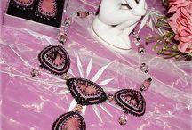 Ручная работа. Украшения с натуральными камнями. / Стильные авторские украшения созданы с использованием натуральных самоцветных камней, обработанных вручную и оригинальных кристаллов сваровски (Австрия).  https://vk.com/album-78872500_204311417