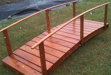 Pont de jardin en bois de cèdre