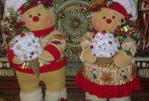 pareja de gallwtas navideñas.
