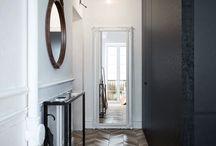 Entrée dans la maison / La décoration intérieur de l'entrée dans la maison
