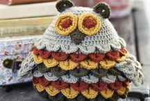Free crochet patterns / Lots of lovely free patterns for beautiful things to crochet. Download free of charge, from our sparkly new webpage.