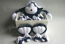 Souvenirs Perritos / Souvenirs perritos realizados en tela presentados en caja decorada . Ideal para nacimientos, 1er añito , bautismos
