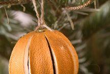 Natural Christmas Tree Decorations / natural, eco friendly holiday decorations