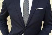 Biała koszula z krawatem. Typ Lato