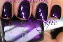 Nails / by Les M