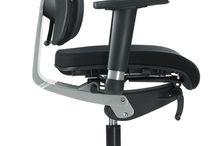 Sièges ergonomiques / Des sièges et fauteuils de travail spécialement étudiés pour s'adapter à votre morphologie, pour vous assurer un confort optimal et suivre le moindre mouvement de votre corps. Nos fauteuils sont à la fois ergonomiques et esthétiques. Ils sont dotés de différents mécanismes et technologies pour répondre au mieux à vos méthodes de travail et à la durée d'utilisation.