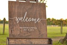 eInvite Top Picks: Wedding Welcome Signs / Creative, unique, and elegant. Get some inspiration for your Wedding Welcome Signs, and SURPRISE you guests ;))