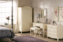 Shabby Chic / Do you dream of a shabby French inspired interiors? We do too...