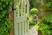 FenceGuides - Garden Gates