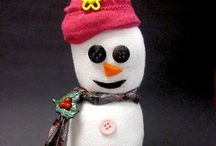 Winter Activities / Crafts and Games to play with your Little during the chilly months of the year.