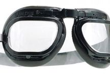 Halcyon Curved Goggles / Curved Goggles- This models feature our 'Curved' goggles range. The goggles come installed with clear polycarbonate curved lenses, which uses different frames from our standard angled halcyon goggles. Classic racing enthusiasts will love the curved goggles unique design.