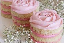 Sweets / Amazing Sylvanian family birthday cake
