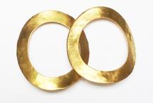 Aguamarina / Joyas de laton, hechas a mano. Con baño de oro y piedras semi preciosas.