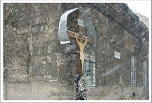Szerintem a kerület egyik  jellegzetessége.E pléh Krisztus  nélkül nincs  anno.