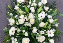 Funeral Flowers / We have a selection of floral tributes that are beautifully and arranged for caskets and funerals and we will take the time to listen to your requirements to ensure that we provide you with the very best service at a difficult time. We also supply sympathy floral arrangements and will create a bespoke display to your requirements.
