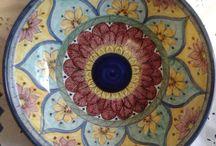Insalatiera / Ciotola /  Spaghettiera in ceramica.Dipinta a mano.Decoro Geo/Floris.