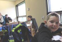 La bonne note / Aide aux devoirs sur la Rive Sud. Une table. Des chaises. Une passion pour aider les enfants.