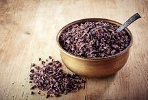 Organic Cacao Nibs / Impact Foods cacao nibs are derived from raw, organic cacao beans that will lend a rich, complex taste to pancakes, salads, puddings, smoothies, cookies, cupcakes, brownies and other recipes.  But more than a delicious flavor, our nibs are also naturally rich in carbohydrates, protein, catechins, vitamins and minerals that help improve mood, boost cardiovascular health, burn fats and sharpen memory.